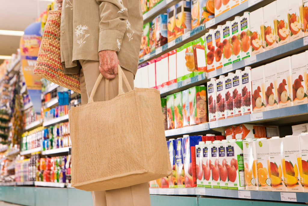 Grocery-store-women-holding-bag